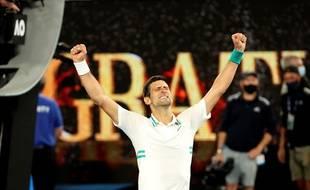 Novak Djokovic remporte son 9e Open d'Australie, le 21 février 2021 à Melbourne.