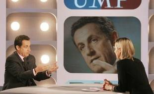 Nicolas Sarkozy, candidat à l'élection présidentielle et Ministre de l'Intérieur est interviewé le 11 mars 2007 par Laurence Ferrari dans son émission «Dimanche Plus» sur Canal+