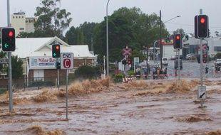 Une vague de deux mètres a inondé les rues de Toowoomba, le 10 janvier, en Australie.