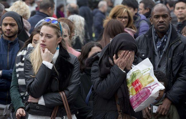 Minute de silence ce 24 mars, place de la Bourse à Bruxelles.