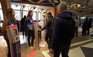Toutes les stations de la ligne 1 du métro de Transpole ont été contrôlées simultanément.