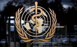 Le logo de l'Organisation mondiale de la santé (OMS) à l'entrée de son QG à Genève.