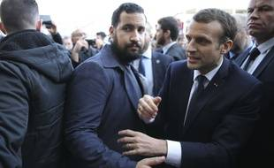 Alexandre Benalla avec Emmanuel Macron, le 24 février 2018.