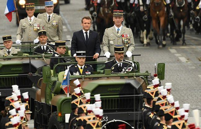 Défilé du 14 juillet: Macron, sifflé, passe ne revue les troupes sur les Champs-Elysées
