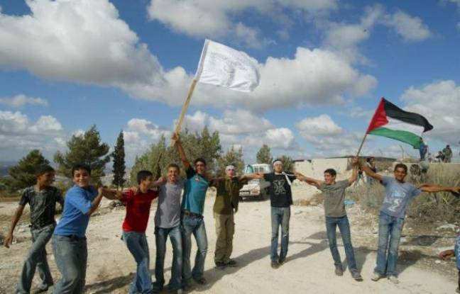 Des terres confisquées il y a 35 ans par Israël pour construire une colonie juive en Cisjordanie vont finalement être rendues à leurs propriétaires palestiniens, a indiqué l'armée israélienne lundi.