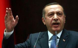 """Le Premier ministre turc Recep Tayyip Erdogan a qualifié de """"raciste"""" mardi le texte de loi adopté la veille par le Sénat français pénalisant la négation du génocide arménien, sans cependant annoncer de riposte concrète dans l'attente de sa promulgation par Nicolas Sarkozy."""