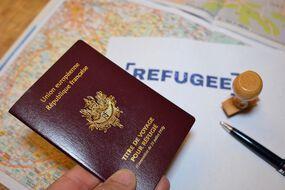 Photo d'illustration d'un titre de voyage pour refugié.