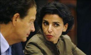 """La ministre de la Justice, Rachida Dati, évoquant les dernières heures de la campagne des législatives, a appelé vendredi, lors d'une réunion publique à Lyon, les militants et électeurs de l'UMP à rassembler leurs """"dernières forces"""" afin d'assurer la victoire de la droite dimanche."""