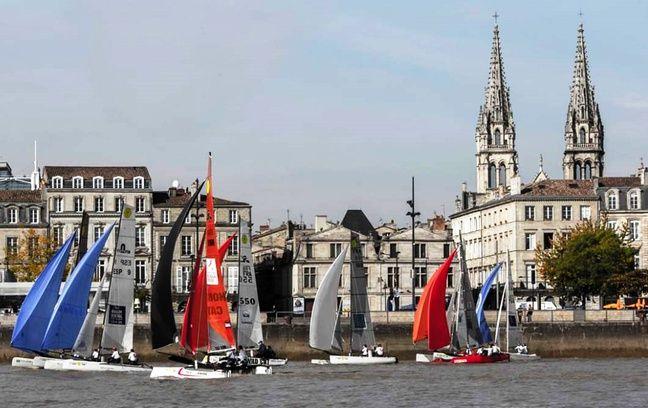 Les catamarans peuvent aller jusqu'à 40 km/h.