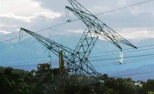 39.150 foyers étaient toujours privés d'électricité une semaine après le passage de la tempête Klaus qui a frappé le sud-ouest de la France au cours du week-end dernier, a indiqué le gestionnaire du réseau de distribution d'électricité ERDF dans un communiqué reçu dimanche.