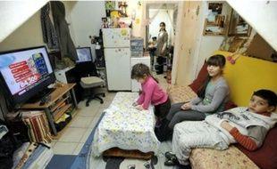 Avec 1600 euros par mois, la famille Ziane ne trouve pasà se loger dans le privé.