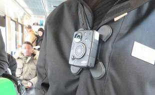 A Nantes, les contrôleurs de la TAN sont équipés de caméras-piétons