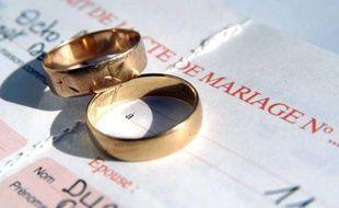 Illustration mariage: Des alliances.