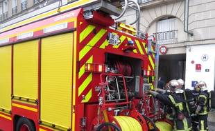 Un pompier a été condamné à six mois de prison avec sursis pour avoir mis le feu à trois conteneurs poubelles (Illustration).