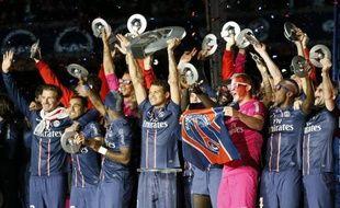 La saison 2012-2013 de Ligue 1 aura vu la reconstitution d'un axe fort Paris-Lyon-Marseille, mais si le Paris SG semble parti pour rester la place forte du football français, les places sur le podium des deux Olympiques sont déjà menacées par Monaco, promu aux dents longues et aux poches très pleines.