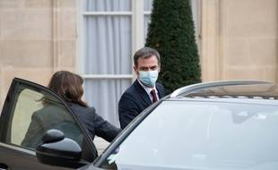 Olivier Véran demande à tous les hôpitaux d'activer leur plan blanc pour libérer des lits pour les malades du Covid