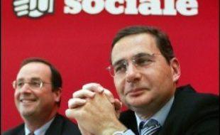 Eric Besson, secrétaire national à l'économie et la fiscalité du Parti socialiste, a annoncé mercredi à l'AFP sa démission de ses fonctions.
