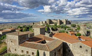 Depuis l'église Santa Maria la Mayor, la vue court de l'Alcazaba de Trujillo jusqu'à la campagne où le redoutable Pizarro fit ses premiers pas.