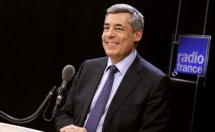 """Henri Guaino, ex-plume de Nicolas Sarkozy et candidat à la présidence de l'UMP, a demandé mardi de laisser l'ancien chef de l'Etat """"en dehors de tout cela"""", assurant ne bénéficier d'aucune """"bénédiction"""" dans sa démarche."""