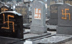 Profanation du cimetière Juif à Hautepierre (Bas-Rhin) en 2010