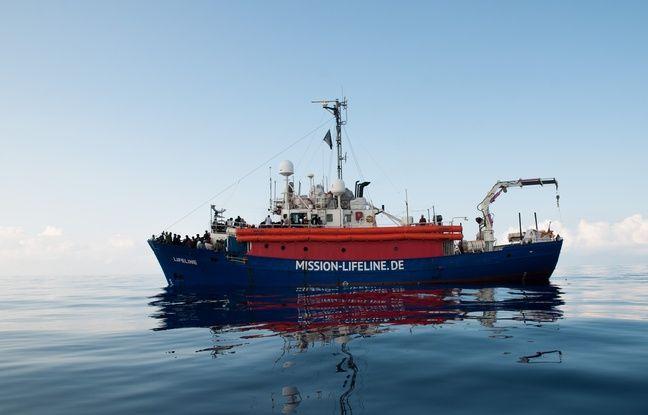 Migrants: Que sait-on sur les bateaux coincés en Méditerranée?