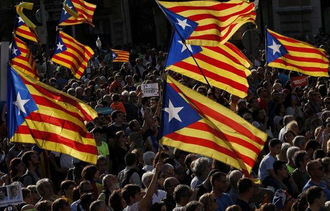 nouvel ordre mondial | Indépendance de la Catalogne: Dans les rues de Barcelone, les annonces de Mariano Rajoy divisent