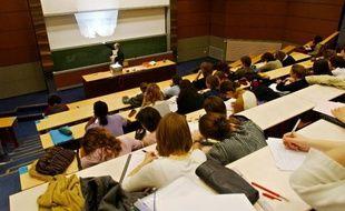 Au total, 11des 76 universités,25 des 36 écoles d'ingénieurs et une dizaine de grands établissements verront leurs fonds de roulement mis à contribution, afin de boucler le financement des dotations 2015