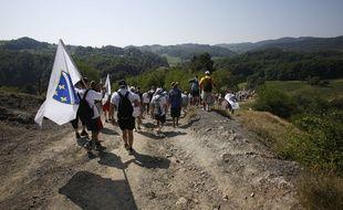Des participants à la «marche de la paix», organisée pour marquer le 20e anniversaire du massacre de Srebrenica