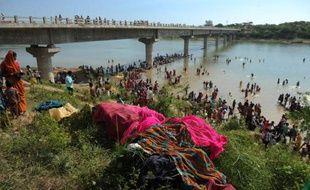 Le bilan d'une bousculade dans le centre de l'Inde, en marge d'une fête religieuse, est passé lundi à au moins 115 morts et la presse s'indignait en rappelant qu'un accident similaire, au même endroit, avait déjà causé des dizaines de décès en 2006.