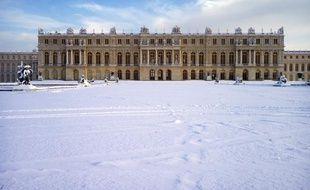 Le château de Versailles sous la neige en décembre 2009.