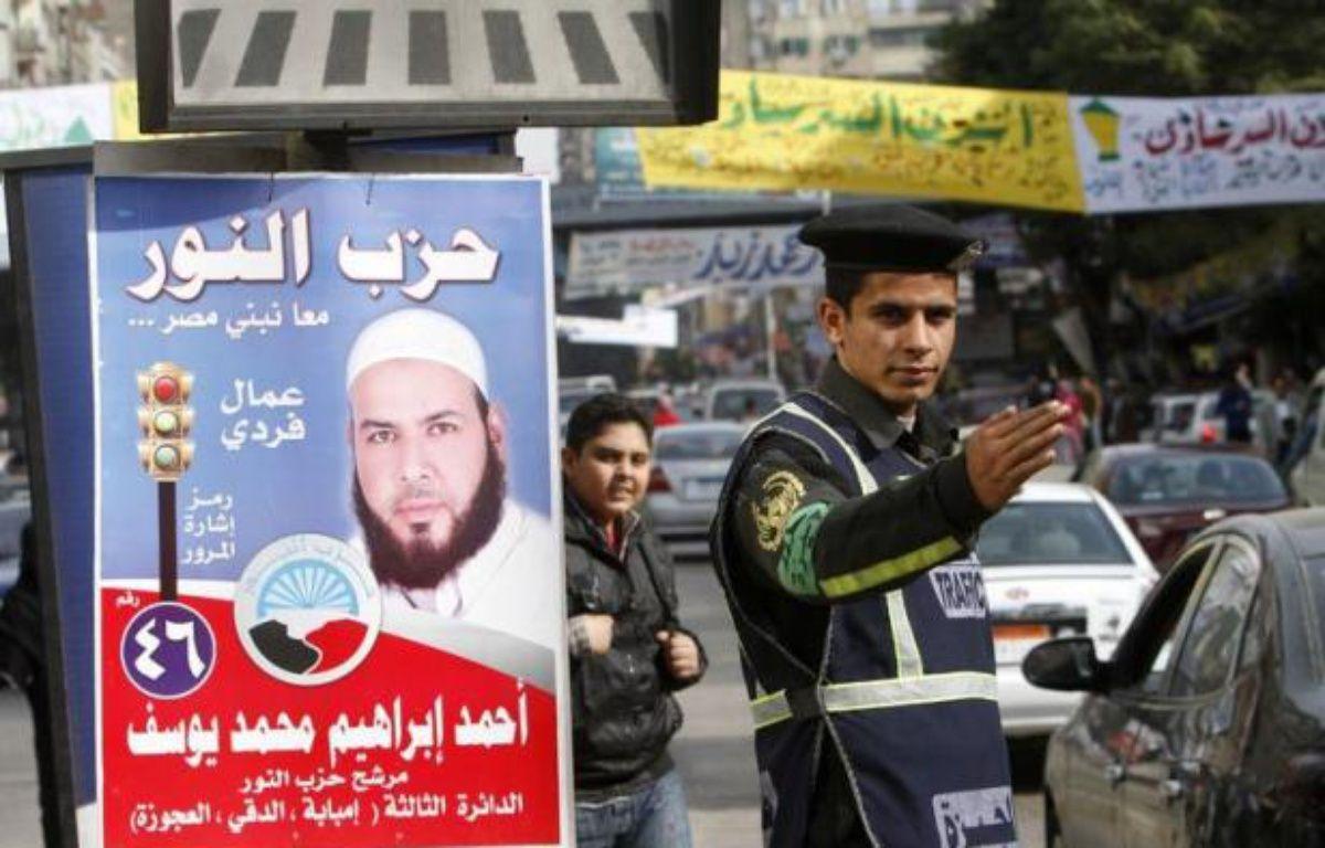 Les islamistes égyptiens, qui ont largement dominé le début des législatives, comptent sur une nouvelle phase du vote, qui débute mercredi, pour consolider leur avance dans cette première élection depuis la chute de Hosni Moubarak en février. – Mohammed Abed afp.com