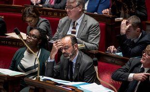 Le Premier ministre Edouard Philippe et la porte-parole du gouvernement Sibeth N'diaye à l'Assemblée nationale à Paris.