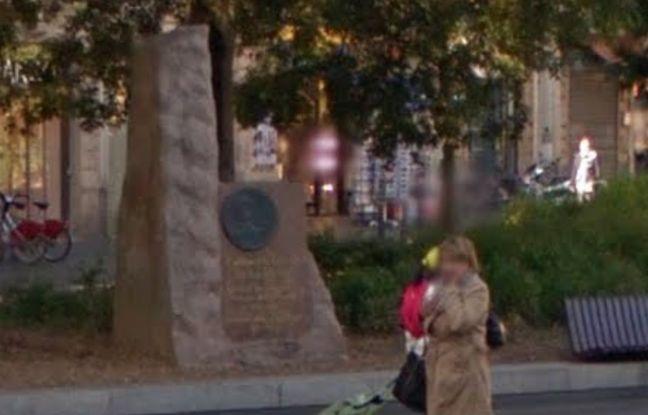 La stèle en hommage à de Gaulle, à Toulouse.