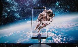 Les bords s'effacent sur le Galaxy S8 pour un écran «infinity display».
