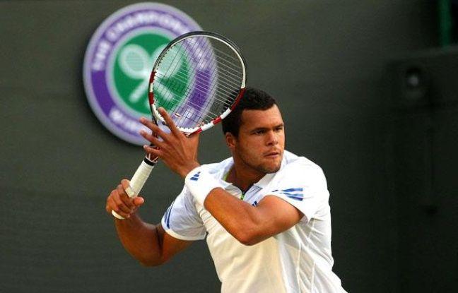 Jo-Wilfried Tsonga a gagné son match contre Gregor Dimitrov le 23 juin 2011 à Wimbledon.