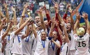 Les Américaines célèbrent leur victoire en finale du Mondial féminin, le 5 juillet 2015.
