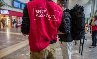 Un agent de la SNCF à la gare de Toulouse-Matabiau, le 20 octobre 2019.