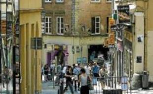 La plupart des boutiques ouvriront rue Romarin (ci-contre).