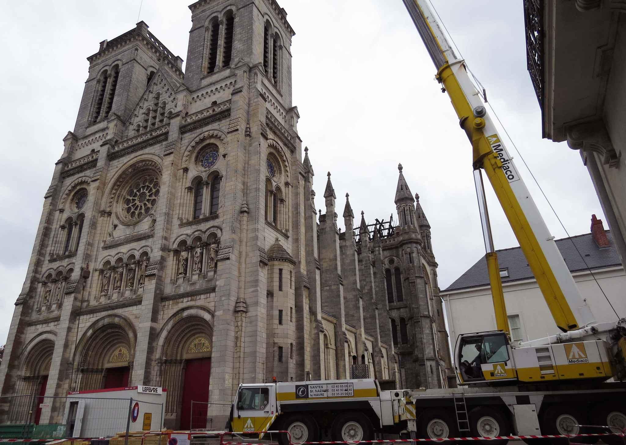 """Résultat de recherche d'images pour """"basilique de saint donatien 44"""""""