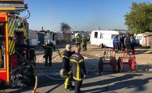 L'incendie s'est déclaré dans un bidonville occupé par la communauté rom à Bouguenais.