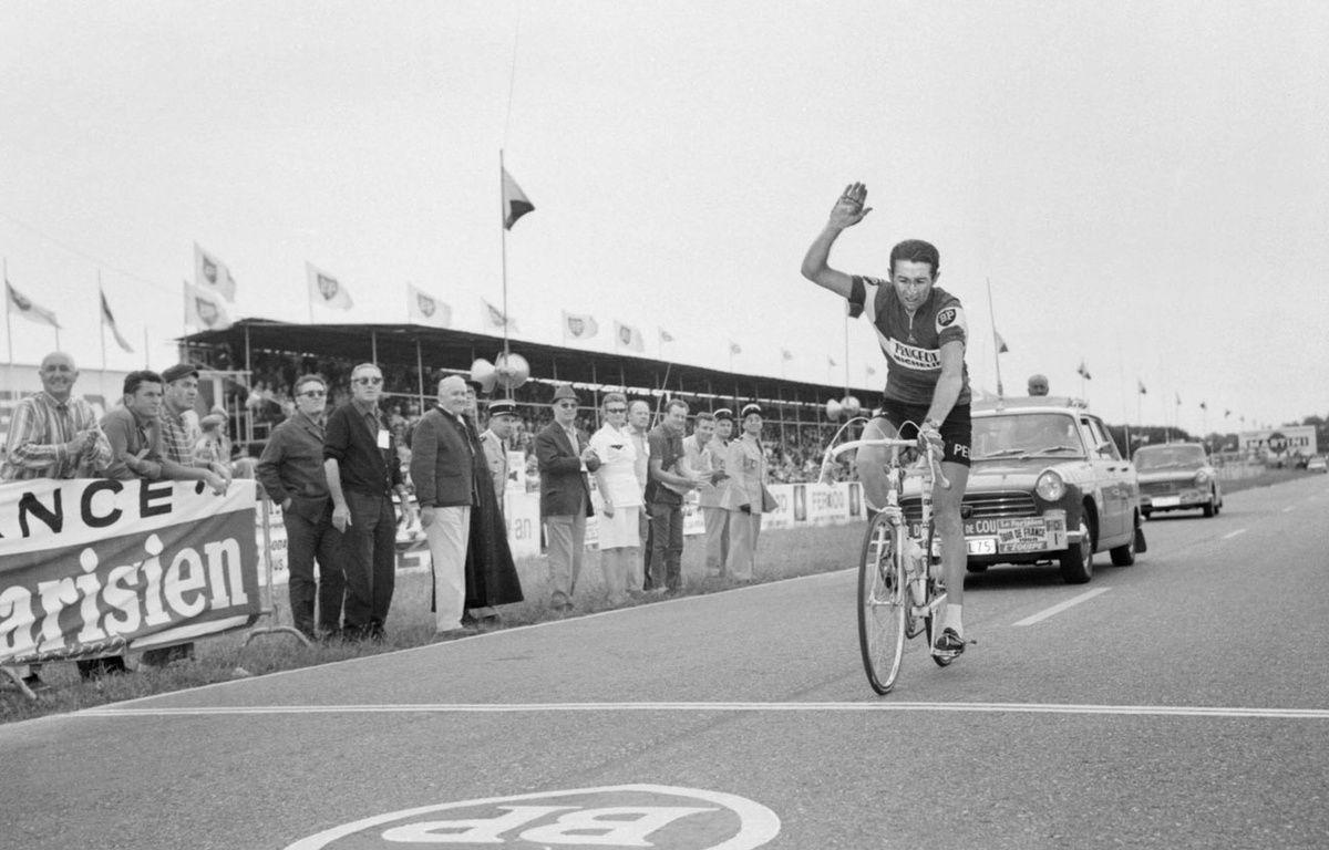Roger Pingeon sur la Tour de France en 1968 – STAFF / AFP