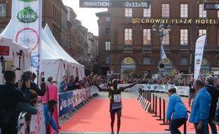 Le Kényan Dominic Kimwetich Kangor remporte la onzième édition du marathon international de Toulouse Métropole, le 22 octobre 2017.