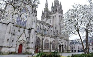Illustration de la cathédrale Saint-Corentin à Quimper.