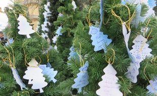 Plus de 100.000 messages sont laissés chaque dans les arbres à vœux de Toulouse.