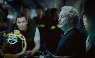Ridley Scott sur le plateau d'Alien Covenant