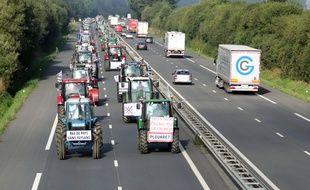 Manifestation des agriculteurs sur la quatre voies entre Rennes et Laval le 2 septembre 2015.