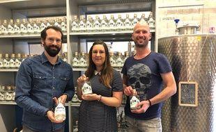 """Arnaud Henry, Chloé Henry et Nicolas Kretz, trois des quatre fondateurs de la """"Distillerie de Strasbourg."""