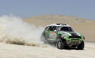 Les jeux sont faits: à moins d'un improbable accident, deux Français, Stéphane Peterhansel en auto et Cyril Despres en moto, remporteront dimanche à Lima le Dakar-2012, après avoir creusé un écart sans doute définitif samedi lors de la 13e étape.
