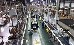 Ligne de production de l'entreprise MIA Electric à Cerizay, dans les Deux-Sèvres, le 19 février 2012.