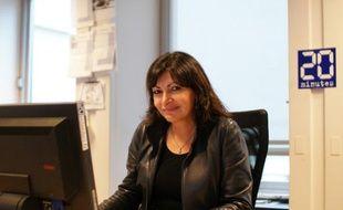 Anne Hidalgo première adjointe à la mairie de Paris répond aux questions des internautes le 6 décembre 2010 lors d'un chat à la rédaction